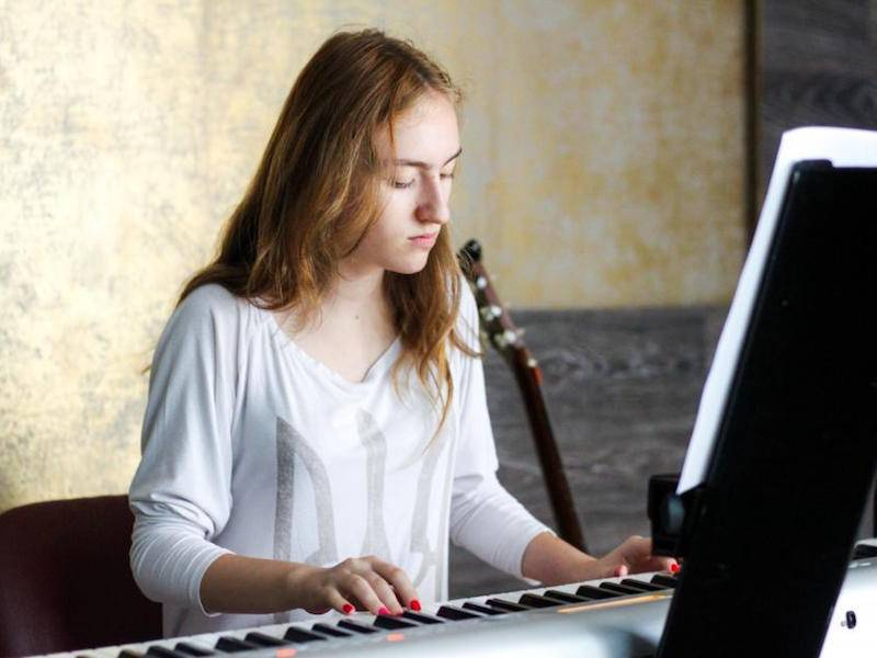 Music lessons develop grit