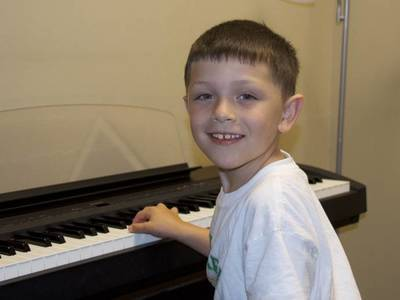 Music lessons piano student 1