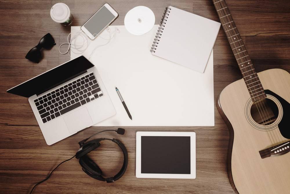 "alt=""music lessons online"""