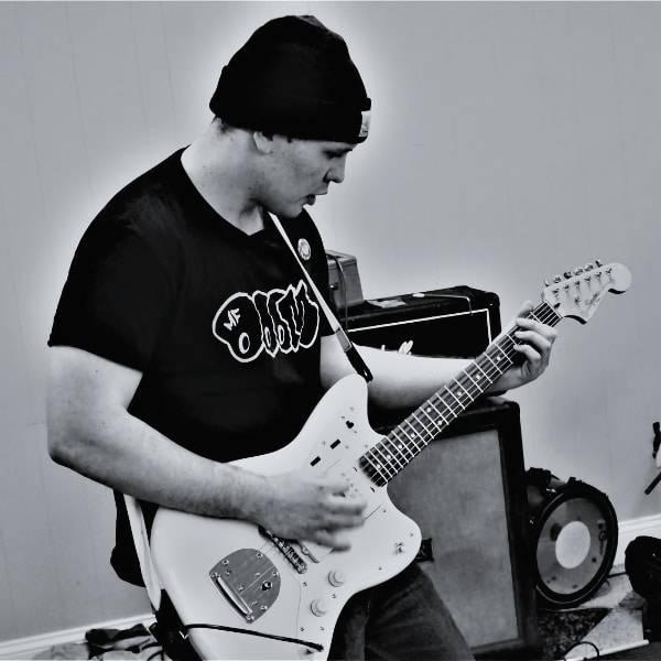 Alex Hyden Guitar/Bass/Ukulele